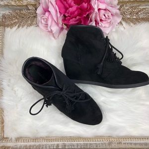 MADDEN GIRL DALLYY LACE UP WEDGE ANKLE BOOTIE